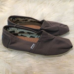 Toms slippers